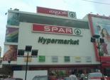 Spar behoort tot de 1% van de grote win- kelcentra in India. Inmiddels heeft Spar haar 8ste vestiging geopend.
